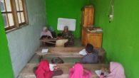 Permalink ke Anggota Satgas TMMD Ke 106 Kodim 1010/Rantau Bekali Generasi Muda Dengan Belajar Membaca Al – Qur'an