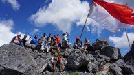 Permalink ke Pecinta Alam Kibarkan Bendera Merah Putih Di Gunung Fatuleu