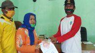 Permalink ke Kepala Desa Curah Kalak Memberikan Bantuan BST Bagi 95 Warga